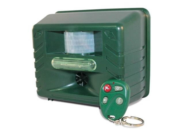Yard Sentinel Pest Repeller with 4 Key Remote